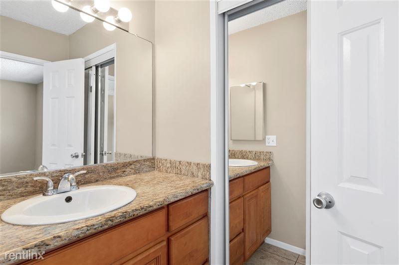Riverside Villas Apartments - 29 -