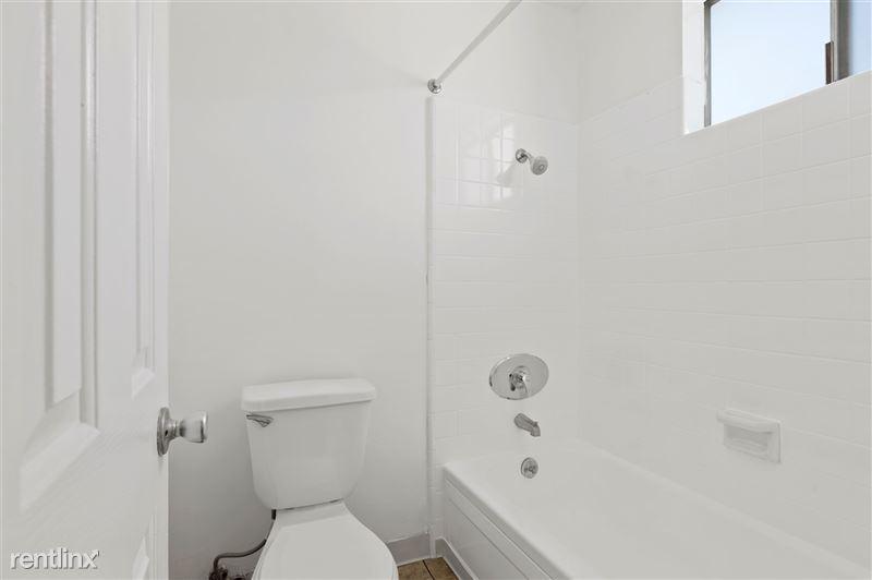Riverside Villas Apartments - 32 -