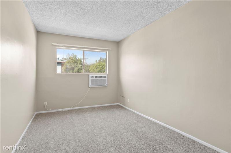 Riverside Villas Apartments - 33 -