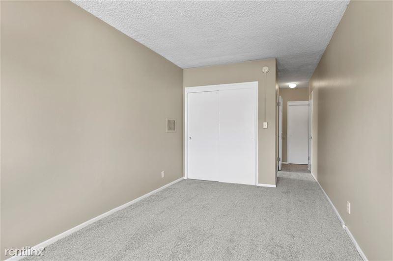 Riverside Villas Apartments - 34 -