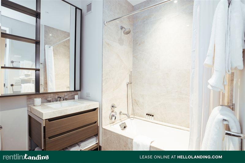 Landing Furnished Apartment Midtown Pointe Apartments - 19 -