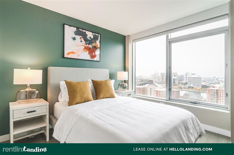Landing Furnished Apartment Midtown Pointe Apartments - 23 -