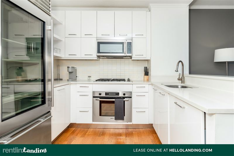 Landing Furnished Apartment Midtown Pointe Apartments - 38 -