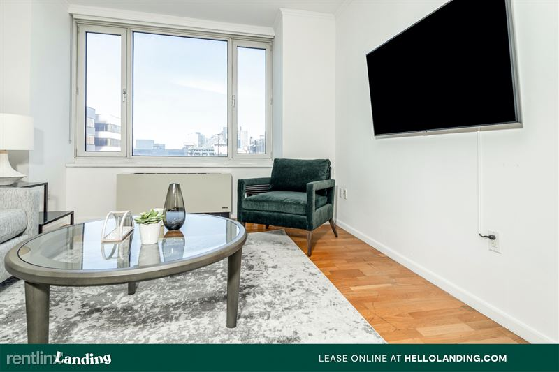 Landing Furnished Apartment Midtown Pointe Apartments - 39 -