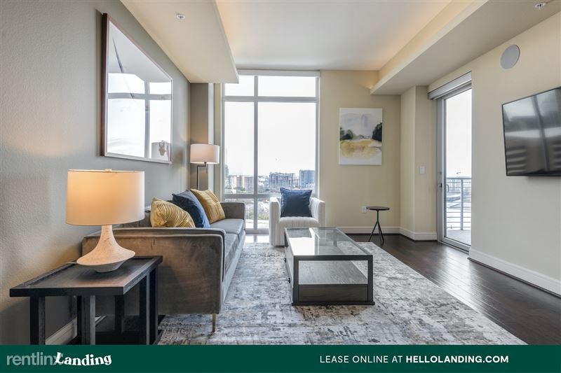 Landing Furnished Apartment Midtown Pointe Apartments - 45 -