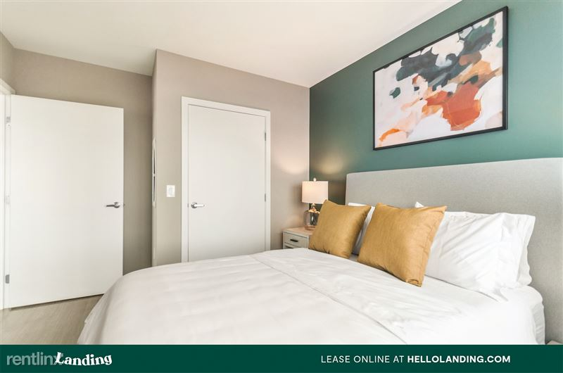 Landing Furnished Apartment Midtown Pointe Apartments - 54 -