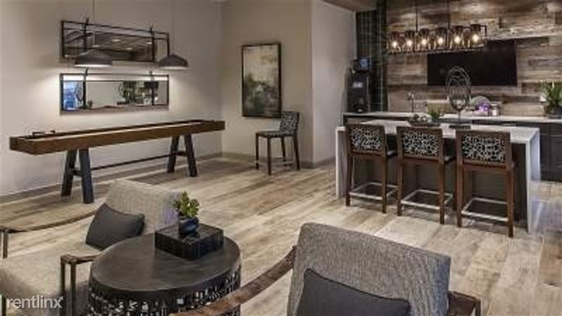 Landing Furnished Apartment Midtown Pointe Apartments - 9 -