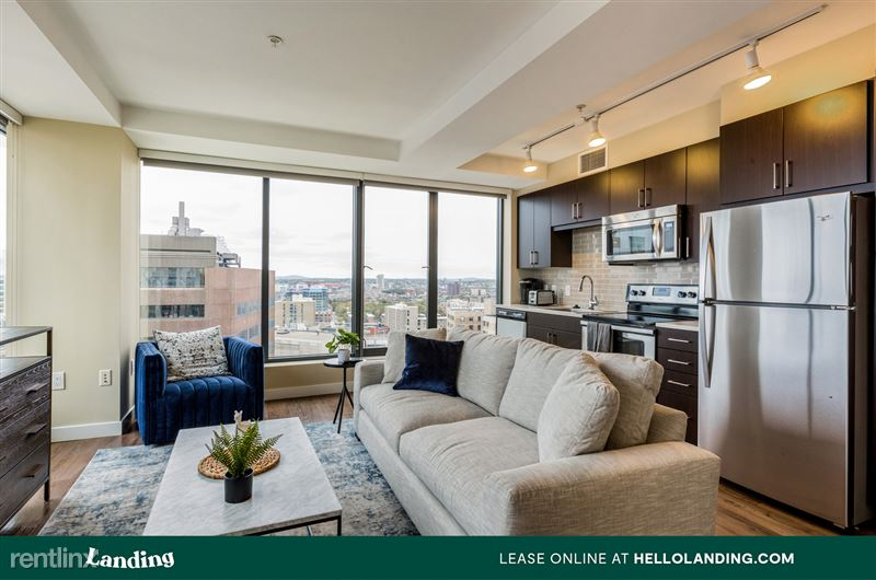 Landing Furnished Apartment Laurel Heights at Cityview - 8 -