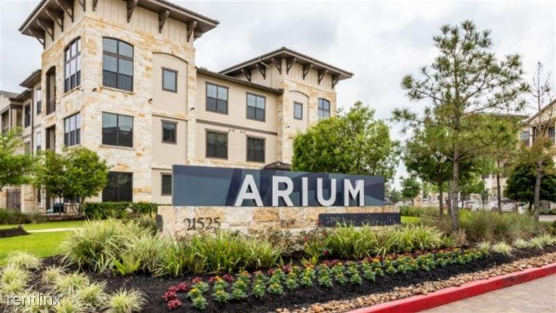 Landing Furnished Apartment Arium Spring Crossing - 213 -