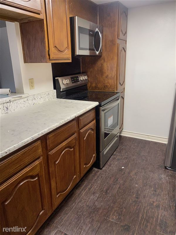Park Lane Place Condos - 2 - New stainless steel appliances
