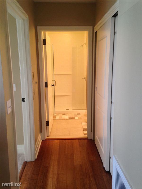 13-Hallway in DWB 1405