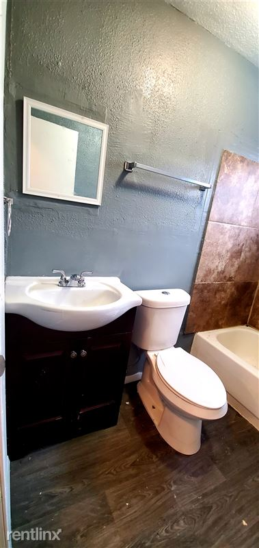 522 Aaron Pl - 3 - Bathroom