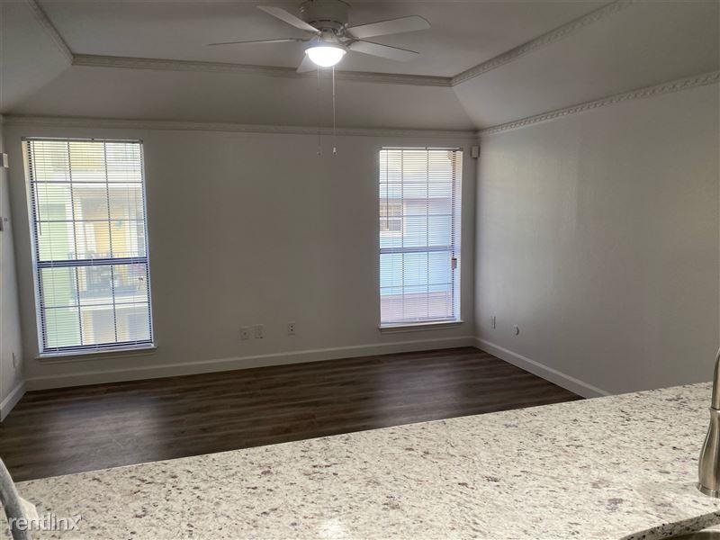Park Lane Place Condos - 5 - Open floor plan, granite countertops