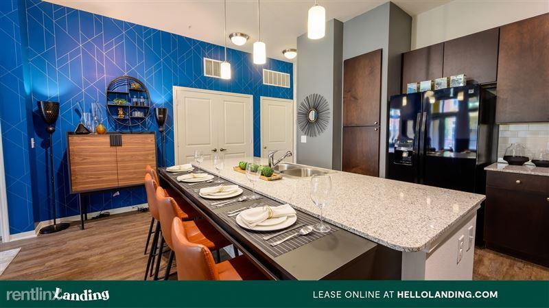 Landing Furnished Apartment Aspire at 610 - 3 -