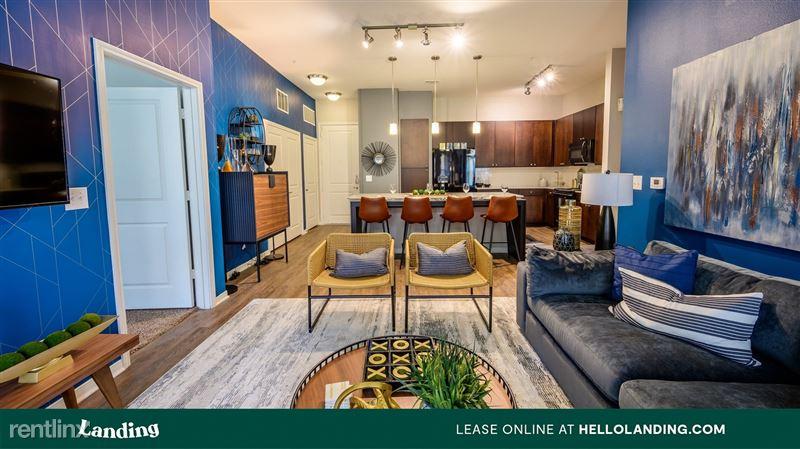 Landing Furnished Apartment Aspire at 610 - 1 -