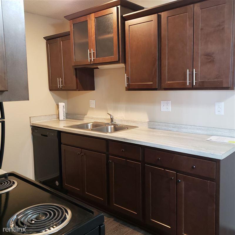 Knob Hill Apartments - 1 - Bison Style Kitchen