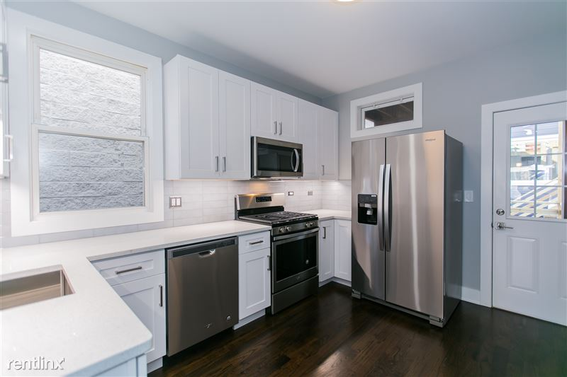 1743 W Barry Ave - 2 - Kitchen
