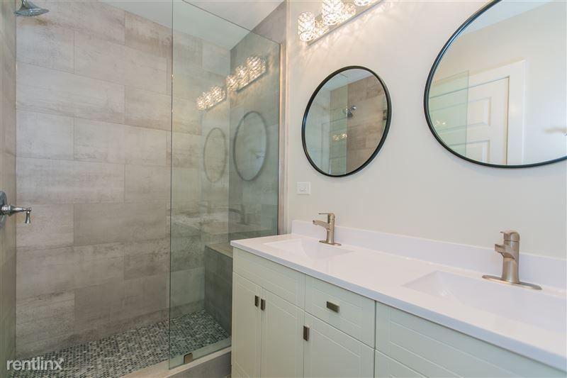 1743 W Barry Ave - 5 - Bathroom 2