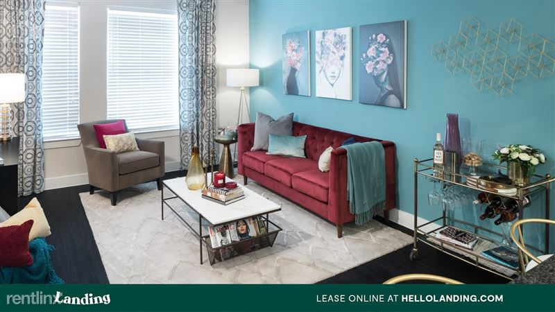 Landing Furnished Apartment Alexan Ross - 1 -
