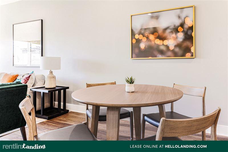Landing Furnished Apartment Alexan Ross - 8 -