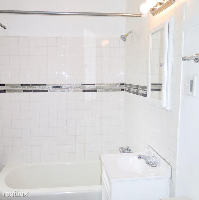 2226 E 70th St # 2228 - 5 - Newly decorated bathroom