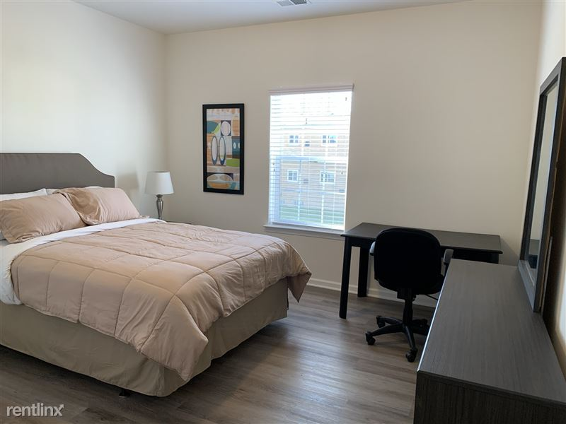 Furnished/Turnkey - Towne Center - GM Tech Center - 19 - IMG_3879