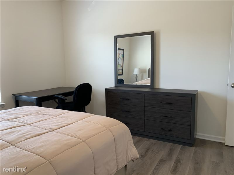 Furnished/Turnkey - Towne Center - GM Tech Center - 20 - IMG_3885