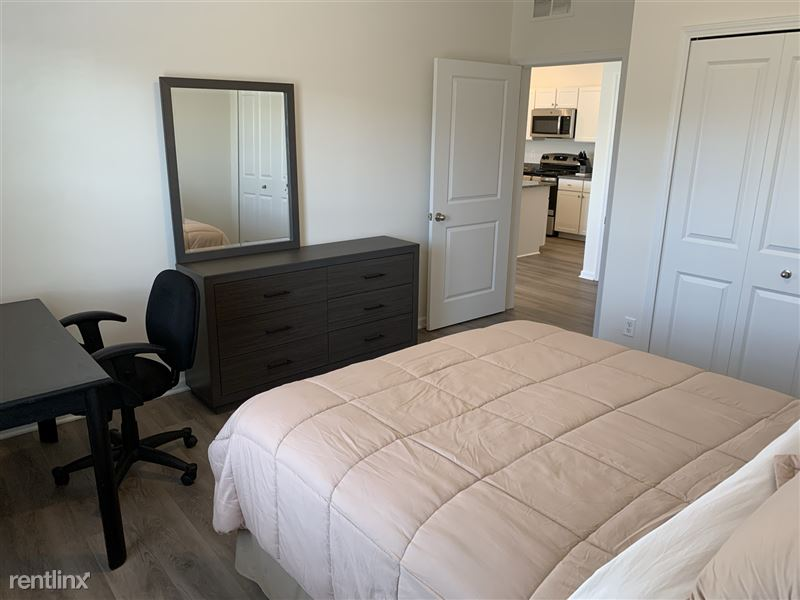 Furnished/Turnkey - Towne Center - GM Tech Center - 21 - IMG_3886