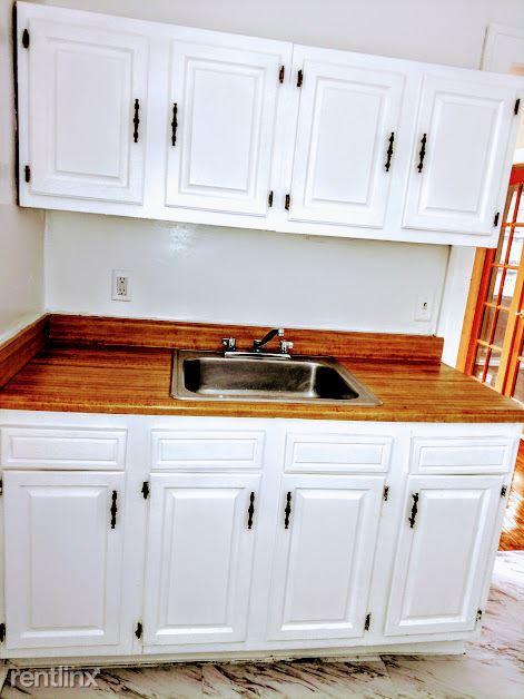 Hadley Hall - 7 - Kitchen Photo is representative