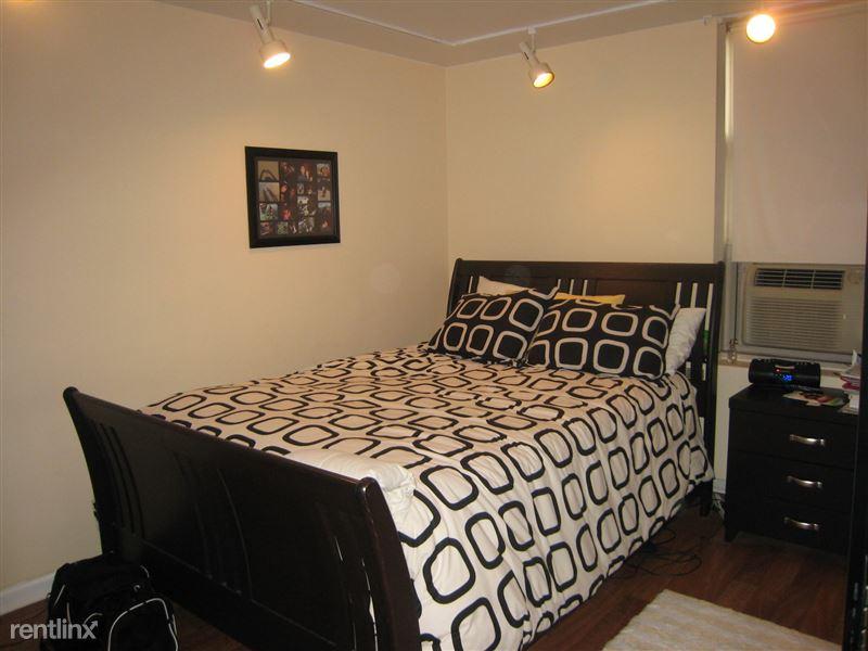 3950 N Lake Shore Dr Apt 921 - 8 - Bedroom