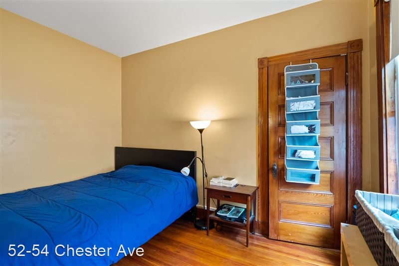 52-54 Chester Ave - 1 -