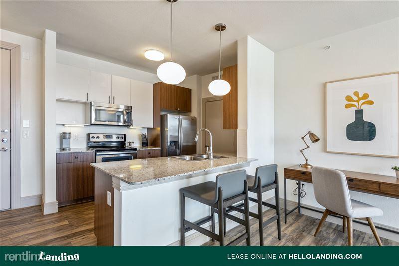 Landing Furnished Apartment McAlister - 1 -