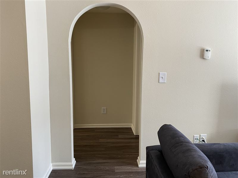 Flex-Lease/Furnished @ Village Green of Rochester - 14 -