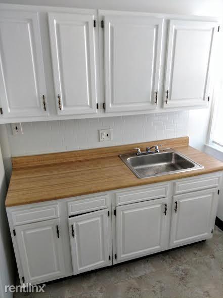 Hadley Hall - 2 - Kitchen Photos are representative