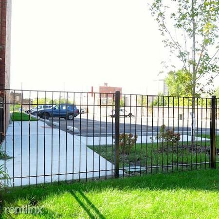 4338 S Drexel Blvd - 10 - Off-Street Parking Available