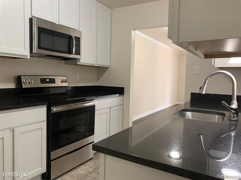 Marshall Place Apartments - 3 - GetMedia-12