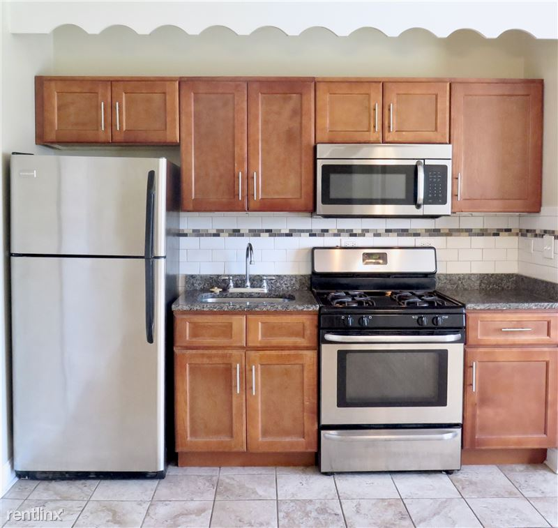 4338 S Drexel Blvd - 2 - Stainless steel appliances and granite countertiops included,