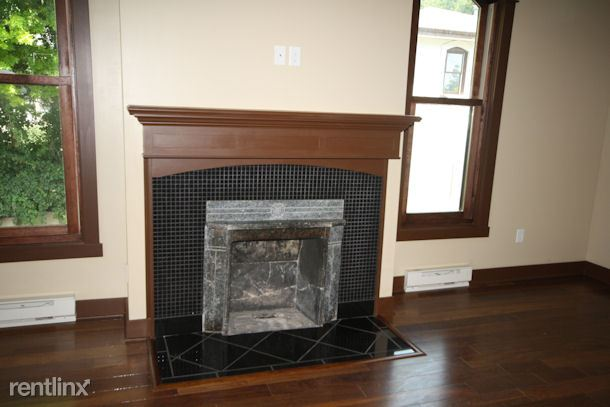 web28no6fireplaceIMG_2442