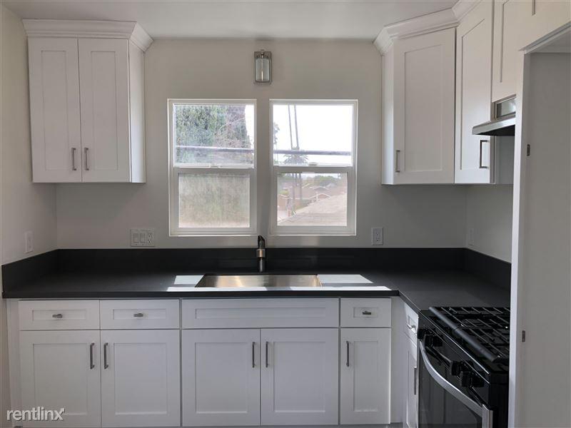 3941 Arlington Ave - 3 - Kitchen