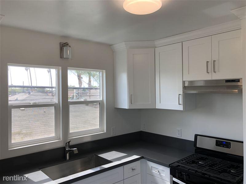 3941 Arlington Ave - 4 - Kitchen