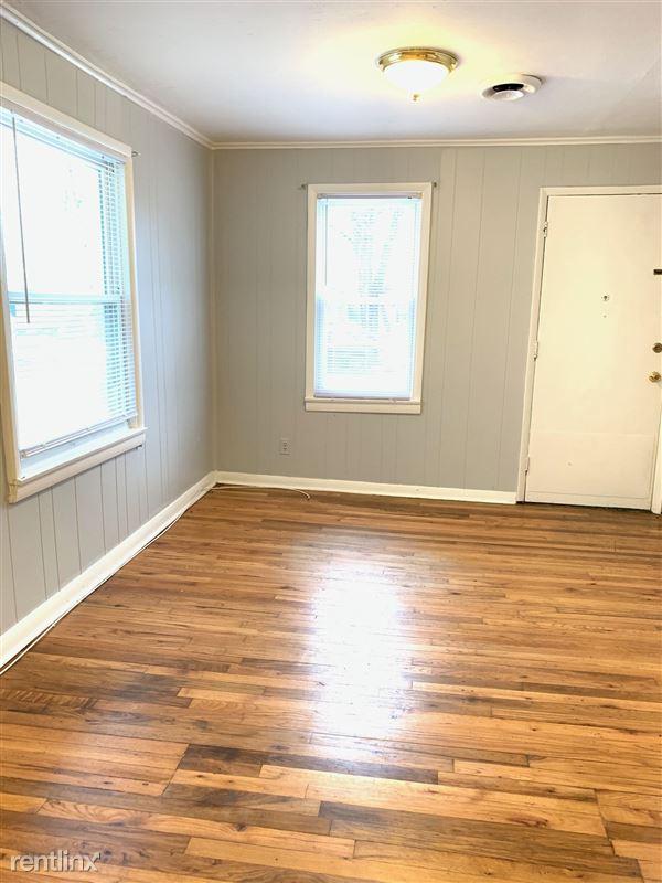 566 Ardmore Dr - 1 - Livingroom
