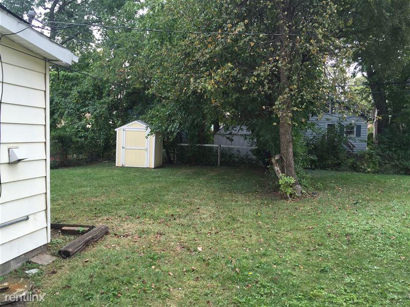 566 Ardmore Dr - 7 - Back yard