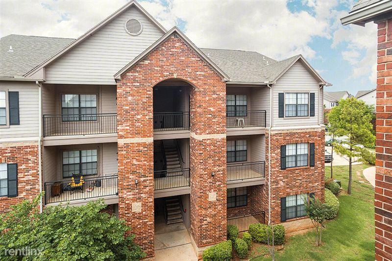 Highland Pointe Oklahoma City 500 Pointe Parkway Blvd Yukon Ok Maxus Properties
