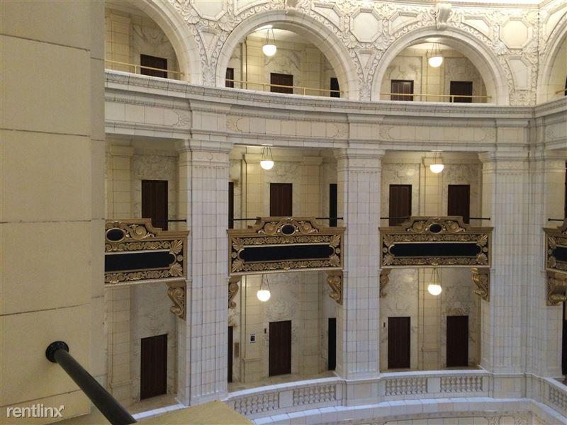 Detroit Flex-Lease/Furnished @ The David Whitney - 26 - 1.3 Atrium Archways