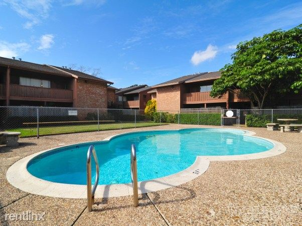 Heather Apartments - 2 - Pool