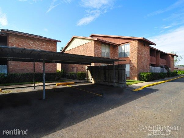 Heather Apartments - 7 - Carport