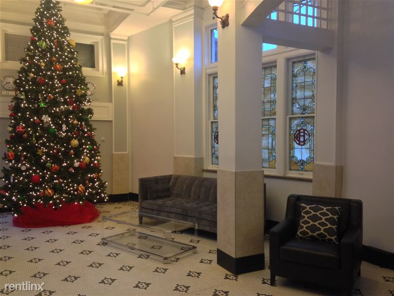 Downtown Detroit Furnished @ The Ashley - 34 - Lobby Christmas Tree