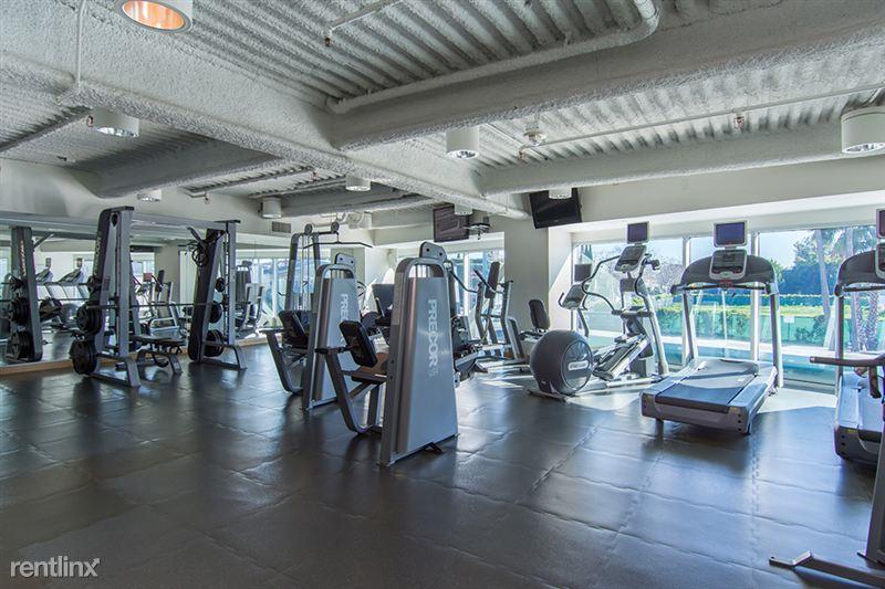 Blu Beverly Hills - 5 - Gym