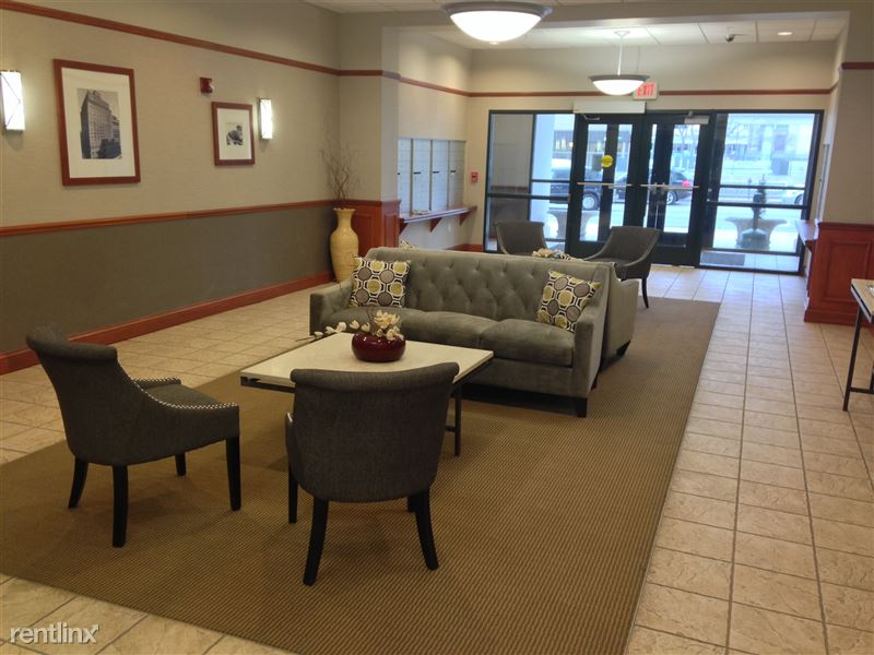 Leasing Office Lobby