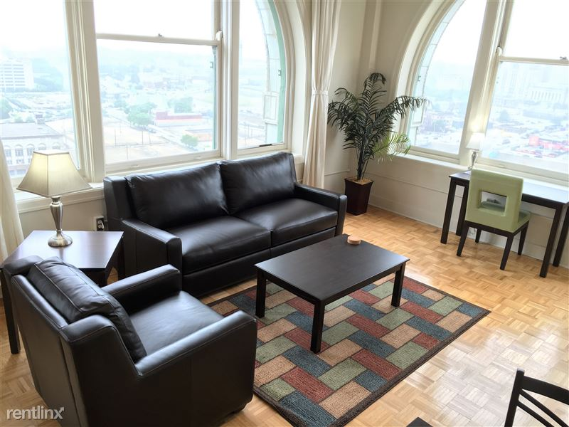 Furnished Turnkey/Flex-Lease - Downtown Detroit - 12 - 2016-06-16 17.15.51 HDR